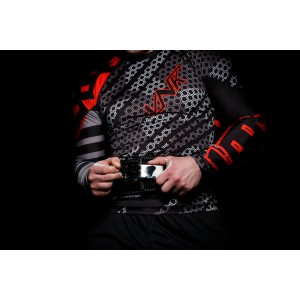 VNK Contact Rash Guard Red with long sleeve size M